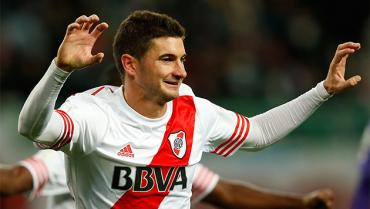 Alario descartó oferta de China y seguirá en River