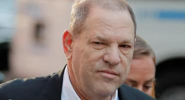 Harvey Weinstein, denunciado por abuso sexual, se entregó a las autoridades