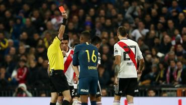 Video: así fue la expulsión de Barrios en la Superfinal ante River